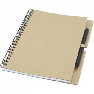 Spiralnotizbuch aus recyceltem Papier mit 40 Blatt, 80 g/m² blanko FSC recyceltes Papier und ein schwarzer Stift. Das Notebook wird in Italien hergestellt.