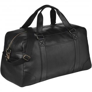 Faites un bon investissement avec notre collection de bagagerie Oxford. Ce sac Week end est doté d'un compartiment principal zippé avec un fond renforcé. Les poches frontales et latérales permettent de rajouter des affaires supplémentaires. Bandoulière détachable et ajustable, poignées de transport. Boucle et attaches couleur bronze.
