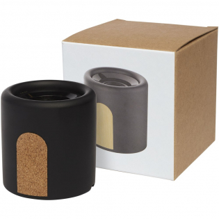 Haut-parleur Bluetooth® fabriqué en calcaire et liège naturels. La puissance de sortie du haut-parleur est de 3W et il comprend une batterie lithium polymère de 500mAh. Comprend un câble de charge Micro USB. La portée du Bluetooth® 5.0 est de 10mètres. Ce haut-parleur peut être utilisé pendant 4heures à 70% du volume sur une seule charge. Fourni dans une boîte cadeau et livré avec un manuel (fait à partir de matière durable).