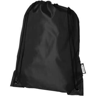 Duurzame tas, gemaakt van 100% gerecycled, van consumenten afkomstig kunststof dat bijdraagt aan de vermindering van kunststofafval. Elke zak is gemaakt van 3,5 gerecyclede petflessen. Groot hoofdvak met koordsluiting in de kleur zwart. Capaciteit: 9 liter, geschikt voor een gewicht tot 5 kg.