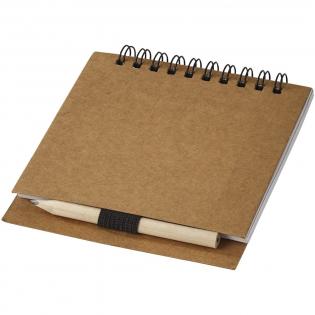 Set comprenant 1 crayon et un carnet de 70 pages blanches à croquis. Marquage non disponible sur les composants.