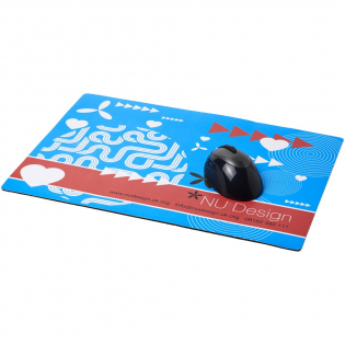 A4 counter mat offering a large branding area and great print quality. Supplied on a quality black foam base.