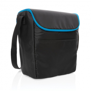 This medium outdoor cooler bag is just what you need to get anywhere while keeping your food and drinks nice and cold. Its wide-mouth opening makes for easy loading and access to your food and drinks. Its compact, cubed body means ultimate portability. Sturdy handles for easy carrying and an external front pocket to put all your essentials. Fits up to 20 cans. Exterior ribstop and tarpaulin, interior 100% PEVA.