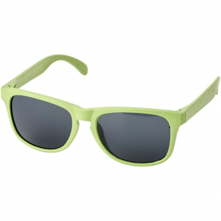 Fresh design of sunglasses in vibrant colours when looking for a green choice. The frame is made of a mixture of wheat straw fibre and polypropylene. Compliant with EN ISO 12312-1 and UV 400, lenses are graded as category 3.