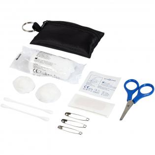 """Handig polyester etui met sleutelring met 16 EHBO-benodigdheden. Zeer geschikt voor reizen, festivals, evenementen en andere buitenactiviteiten, en met een groot decoratievlak. Een EHBO-set wordt beschouwd als een medisch hulpmiddel en is onderworpen aan 93/42/EEG, op basis van het beoogde gebruik: """"diagnose, preventie, controle, behandeling of verlichting van ziekte"""". Dit medisch hulpmiddel is van KLASSE I, Is."""