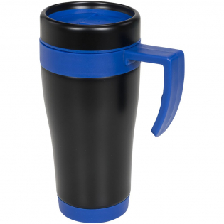 Mug double paroi avec couvercle à visser et fermeture coulissante. Comporte une grande surface de marquage avec un revêtement noir qui fera ressortir votre marquage gravé. Capacité 400 ml.