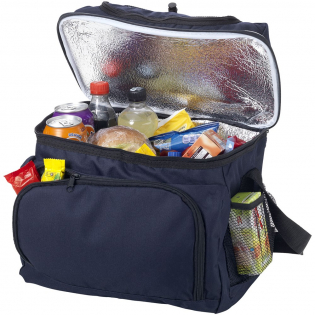 Cooler bag with front pocket and convenient pocket on top to store snacks. The integrated handle gives this bag a characteristic look.