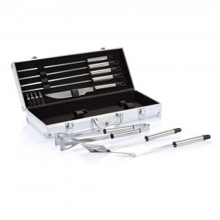 12tlg. Edelstahl Grillset, inkl. 4 Spießen, Messer, 4 Maiskolbenhalter, Bratenheber, Grillzange und -gabel mit Schutzhülle, Set konfektioniert in Aluminiumkoffer.