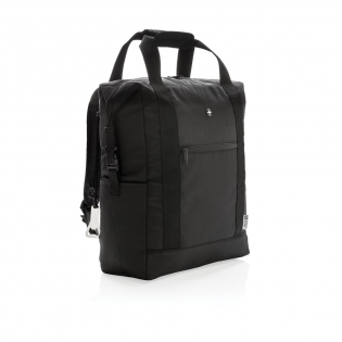 Deluxe 1680D and 600D polyester cooler totepack with extra-large zipped main compartment and zipped front pocket. Large storage space. Double reinforced carrying handles. Including bottle opener. Fits up to 28 cans. PEVA insulation.