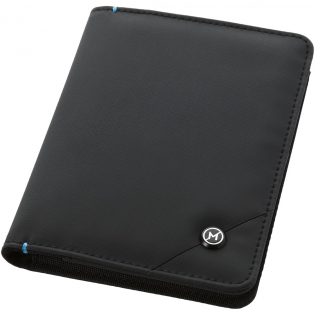 Credit cards, passports and other ID's have embedded RFID chips. This exclusive design travel wallet incorporates a RFID blocking inner layer. This passport cover has six credit card slots, two storage pockets, a SIM card storage pocket and a pocket to store your passport. Packed in a Marksman gift box. Accessoires not included.