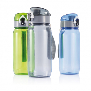 600ml Tritan bottle with lockable cap and press-to-open function. The bottle has a strap to make carrying easy.