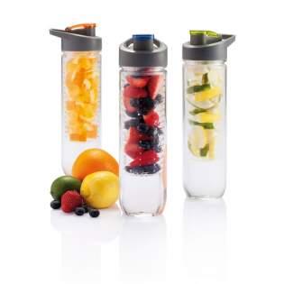 800ml Tritan Flasche mit Früchte-Aromafach. Bereichern Sie Ihr Wasser mit Vitaminen und einer Menge Geschmack durch das einfache Hinzufügen von frischen Früchten im Aromafach. Dieses Fach kann durch das Zusetzen von Eiswürfeln auch als Kühlfach verwendet werden. Nur Handwäsche.