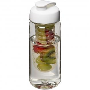 Enkelwandige sportfles gemaakt van duurzaam, BPA-vrij Tritan™ materiaal. Voorzien van een morsvrije, flipcapdeksel en een verwijderbare infuser waarmee je jouw favoriete fruitsmaak toe kunt voegen aan je drankje. Volume 600 ml. Mix en match kleuren om je perfecte fles te maken. Neem contact op met de klantenservice voor meer kleuropties. Gemaakt in het Verenigd Koninkrijk. Verpakt in een thuis-composteerbare polybag.