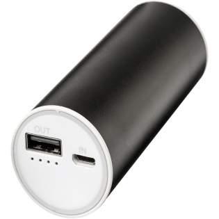 La banque d'alimentation Bliz de 6000mAh comprend une batterie lithium-ion grade A de 6000mAh avec une sortie 5V/2A. Elle est faite en aluminium durable. Comprend un câble de charge 2-en-1 compatible avec n'importe quel appareil disposant d'un port micro et avec tout téléphone iOS.