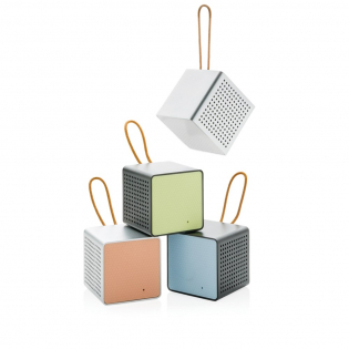 No vibe? No party! Make sure you always take this trendy 3W wireless speaker wherever you go. The loud and clear sound will impress you and your friends. Just try it! With high quality aluminium body and trendy fashion details like the side pattern and strap, this speaker will look good anywhere. The speaker uses wireless BT 4.1 and can be used up to 10 metres away. The 500 mAh poly battery allows a play time of up to 5 hours. Also suitable to be used via audio jack cable. Including micro USB cable.  Registered design®