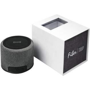L'appareil high-tech ultime! Le haut-parleur Bluetooth® Fiber est parfait pour le bureau ou la maison. La sortie 3 W de l'enceinte produit un son cristallin. Et le dessus du haut-parleur est une station de charge sans fil! Elle permet de charger n'importe quel appareil compatible avec la charge sans fil. La batterie intégrée de 1200mAh permet de lire de la musique pendant plus de 6h. Avec contrôle de la musique et micro intégrés pour garder les mains libres. Portée de fonctionnement du Bluetooth® de 10m. Bluetooth® version 5.0.