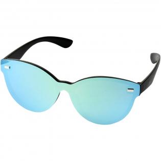 Shield zonnebril met trendy design en spiegelglazen. Voldoet aan EN ISO 12312-1 en UV-400, glazen zijn van klasse 3.