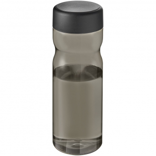 Single-wall water bottle with ergonomic design. Bottle is made from Prevented Ocean Plastic. Plastic is collected within 50 km of an ocean coastline or major waterway that feeds into the ocean. This is then sorted and transformed into high quality, food-safe recycled plastic. Features a secure screw-cap, available in multiple colours. The black lid is made from in-house pre-consumer recycled plastic. Volume capacity is 650 ml. Made in the UK. Packed in a home-compostable bag. Mix and match colours to create your perfect bottle.