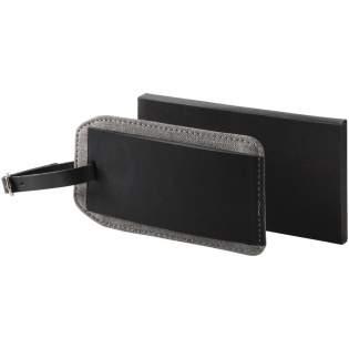 Heathered bagagelabel. Openvouwend identificatielabel met bandje. Binnenkant bevat ID label. Thermo PU.
