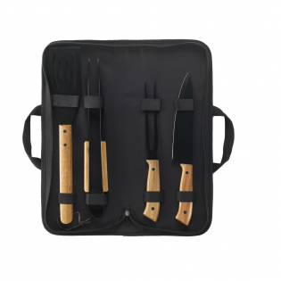 4-teiliges Barbecue-Set: Spatel, Gabel, Messer und Fleischzange. Der Edelstahl hat eine schöne schwarze Beschichtung und die Accessoires haben Griffe aus Akazienholz. Dieses schicke Set wird in einer 600D Nylontasche geliefert.