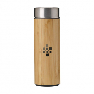 Double-walled, leak-proof, vacuum-insulated stainless steel thermo bottle/thermo cup with bamboo finish. Includes a removable stainless steel tea strainer. Capacity 360 ml. Each item is individually boxed.