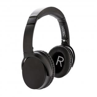 Erleben Sie Ihre Musik! Diese Kopfhörern besitzen die ANC (Active Noise Cancelling) Technologie um Ihren Musikgenuss zu verbessern. Diese Kopfhörer vermindern jegliche Störungen aus Ihrer Umwelt und ermöglichen Ihnen sich voll und ganz auf die Musik konzentrieren zu können. Der ABS Kopfhörer verfügt über gepolsterte Kopfhörer für optimalen Tragekomfort. Die 400mAh Batterie ermöglicht eine Spielzeit von bis zu 14 Stunden und ist mit BT 4.2 ausgestattet; mit einer Reichweite von bis zu 10 Metern. Die Kopfhörer laden Sie einfach und schnell innerhalb von 1,5 Stunden wieder auf. Die Kopfhörer verfügen über ein Mikrofon und eine Pick-up Funktion zur Annahme von Anrufen. Der Kopfhörer ist somit Ihr idealer Begleiter, sei es zur Arbeit, Freizeit oder ähnlichem. Inklusive Reißverschlusstasche. ANC Grad: 23 DB. Inkl. AUX-Kabel