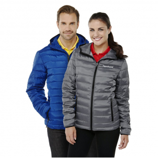 600 mm Water resistant. Inner stormflap with chinguard. Centre front contrast coil zipper. Hand pockets with zippers. Elasticated binding. Easy grip zipper pullers. Hanger loop in contrast colour. Heat transfer main label for tagless comfort.