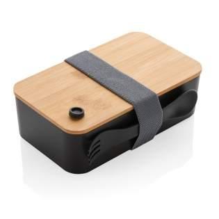 Mit dieser PP-Lunchbox mit Bambusdeckel ist das Packen von Mittagessen einfacher als je zuvor. Mit praktischem elastischen Gummiband und einem Göffel. Der PP-Box ist Spülmaschinen- und Mikrowellengeeignet, der Bambusdeckel jedoch nicht. Fassungsvermögen 1,4 Liter.