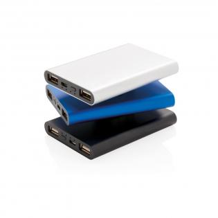 Batterie de secours ultraplate 5000 mAh en aluminium, se glisse facilement dans votre poche pour l'emmener partout. Une fois chargée elle permet 3 charges complètes de votre téléphone. L'indicateur de puissance vous indique l'énergie restante et vous permet de savoir quand recharger. Entrée : 5V/1.5A, Sortie : 5V/2.1A.