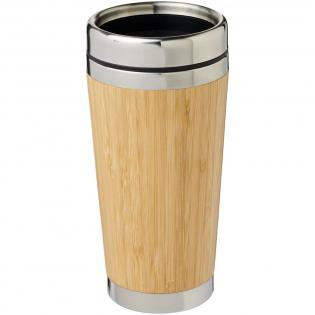 Dubbelwandige geïsoleerde beker van roestvrij staal, afgewerkt met een buitenzijde van natuurlijk bamboe. Hij houdt dranken tot 2 uur warm en 4 uur koud. Drinken kan eenvoudig via het drukdeksel dat met een schuifje gesloten kan worden.