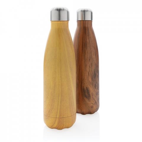 Deze gestroomlijnde roestvrijstalen vacuüm waterfles houdt je onderweg gehydrateerd, waar je ook bent. Door de allover houtdessin op de body is de fles een echte eyecatcher. De fles houdt gekoelde dranken maximaal 15 uur koud en warme dranken maximaal 5 uur. Capaciteit 500 ml. BPA-vrij.